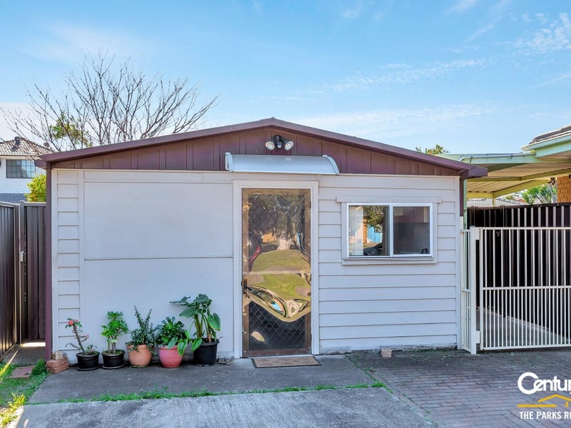 19a Pleasant Street, Bossley Park, NSW 2176