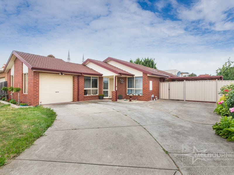 11 Papworth Place, Meadow Heights