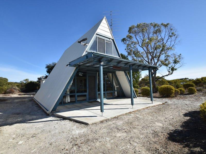 11 Flinders Grove, Island Beach, SA 5222