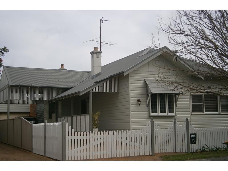13 Corona Street, Hamilton South, NSW 2303
