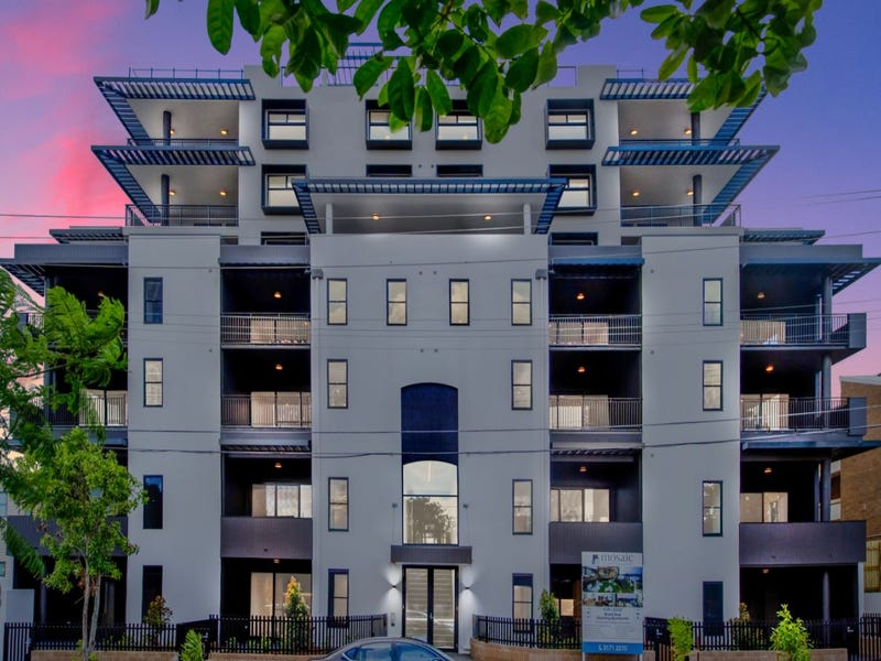 802/131-135 Clarence Road, Indooroopilly, Qld 4068