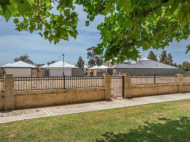 10 Lymington Lane, Wellard, WA 6170