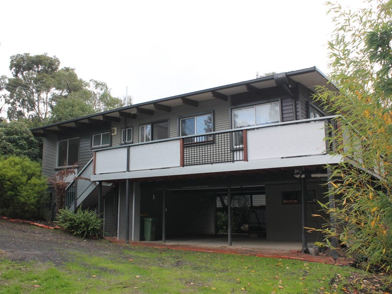 2 Scenic Drive, Launching Place, Vic 3139