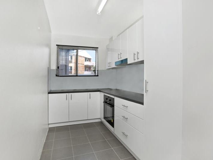 1/6 Grafton Crescent, Dee Why, NSW 2099