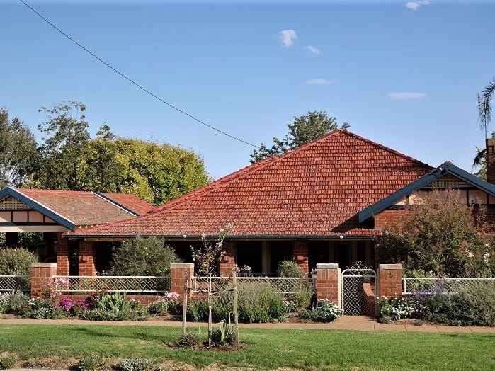 15 Gap Street, Parkes, NSW 2870